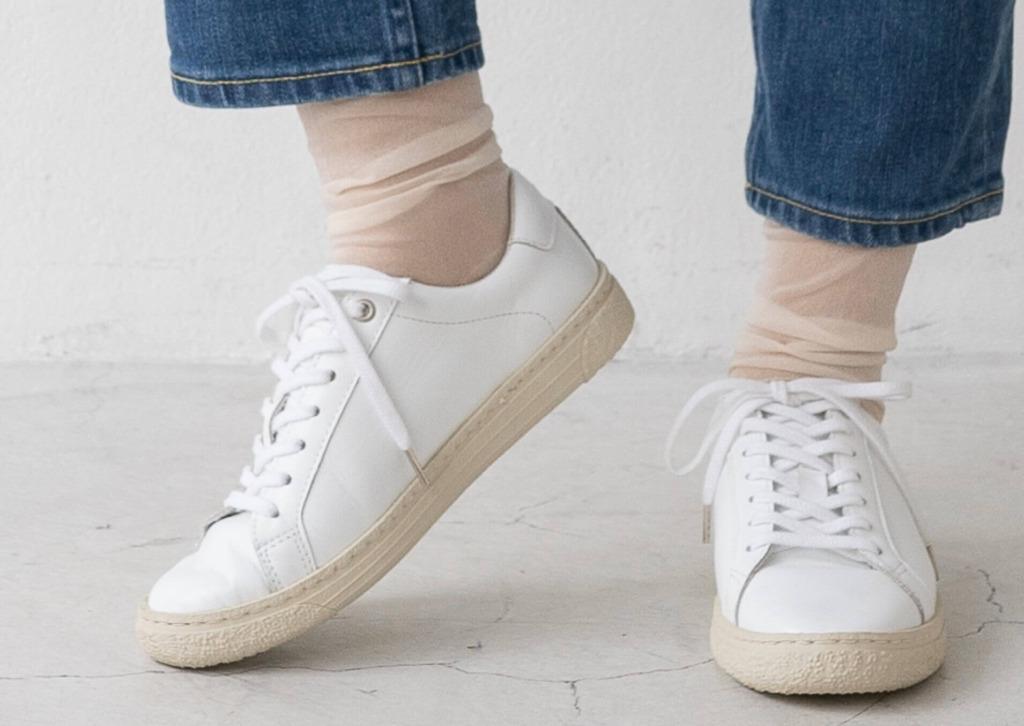 靴下にはトレンド素材をチョイスで今っぽさUP!