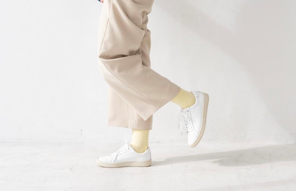春の足元にぴったり!小さいサイズのスニーカーで作るナチュラルコーデ