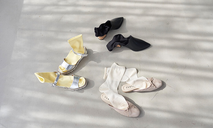 小さいサイズのサンダル・ミュールの靴下コーデ